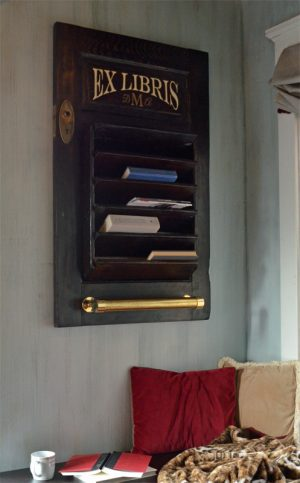 Personalized book shelf